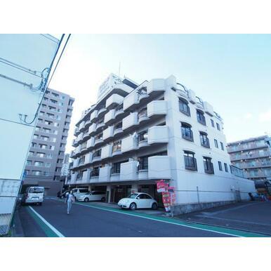 仙台駅徒歩10分の好立地。昭和56年築の味のあるマンションの一室をリノベーションしました。