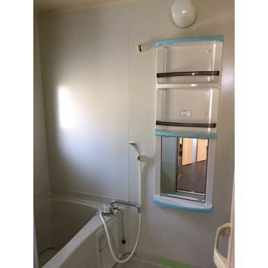 浴室キャビネット