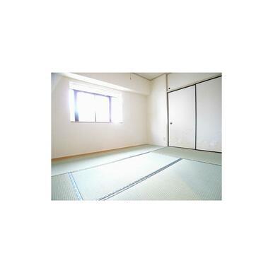 くつろぎの6帖和室