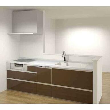 タッチレスでエコなシャワー水栓・お手入れが快適なシンクに食洗機付きのキッチン。