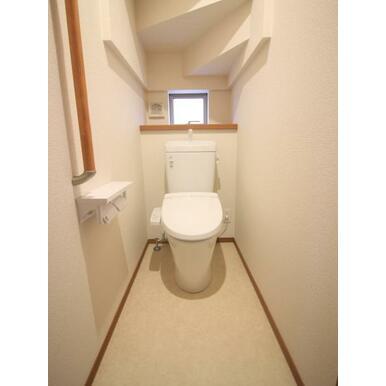 シャワートイレを各階に完備!朝の渋滞もなくなります