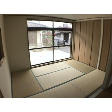 和室 南側に面した和室。収納スペースももちろんあります。